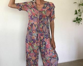 Floral Jump Suit Size Medium Capri Pants Suit