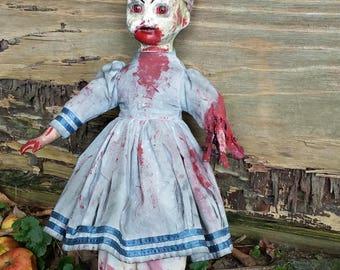 Creepy Doll - Scary Sarah