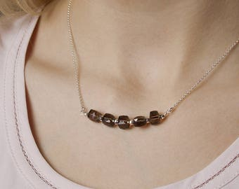 Sterling Silver Necklace with Smokey Quartz Gemstone, Cube Shape Gemstone・Bar Necklace・Brown Gemstones