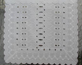 SALE Topper Runner Eyelet Intricate Stitching and Design Cottage Chic Vintage