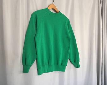Green Sweatshirt Vitnage Hanes size Small
