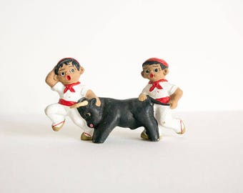 Miniature of San Fermín, clay figurines, Pamplona, the running of the bulls, bulls, traditional celebration, Spain