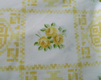 Twin Cannon Royal Family percale yellow rose flat and fitted sheet set / retro cottage chic shabby chic
