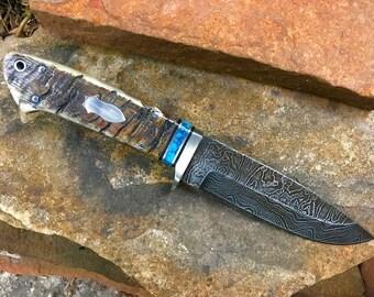 Loveless style Damascus Hunting knife Rams horn handle