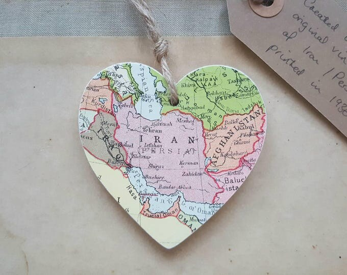 Vintage map of Iran / Persia Wooden Heart - printed in 1936