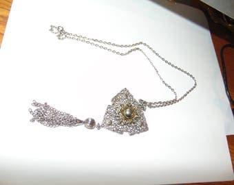 Vintage tassel  necklace -Deco