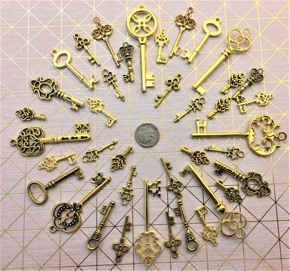 Is Steampunk Jewelry A Craft Or An Art: Items Similar To 40 Skeleton Keys Steampunk Altered Art
