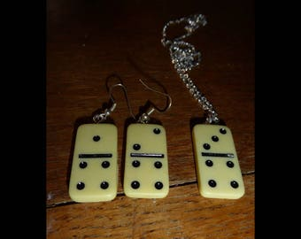Domino earring and necklace set