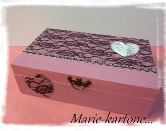"""""""Heart & lace"""" baroque jewelry box wooden box and mirror."""