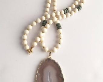 Agate Pendant Necklace, Wood Bead Necklace, Long Wood Bead Necklace, Long Agate Pendant Necklace, Boho Neckace
