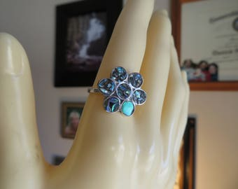 Vintage Genuine Abalone Flower Mexico Sterling Silver 925 Ring Size 6, Wt. 1.4 Grams, Great Condition