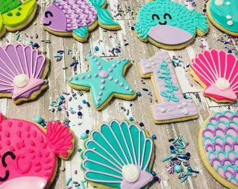 1 dozen hand decorated cute under the sea cookie cutters!