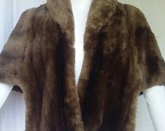 Real fur woman shoulder crawl