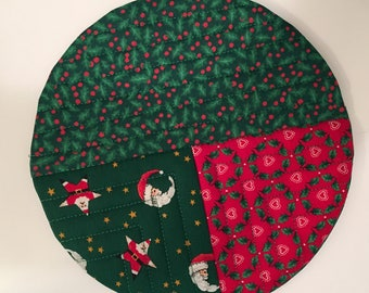 Round Pot Holder, Hot Pad, quilted fabric potholder, christmas pot holder, fabric, trivet