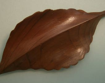 D205) A lovely vintage hand crafted carved wooden yew leaf brooch