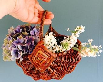 Vintage hengselmand| easter basket | straw basket | rotan basket | french basket | bohemian decoration |flower arrangement |hengselmand