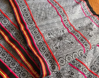 2.5 Yards Hmong Ethnic Fabric Bohemian Style Handprinted Thai Batik Textile 408