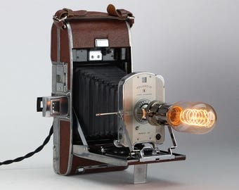 Historic 1948 Polaroid Model 95 Land Camera Table Lamp – Lighting Home Decor Display & Collector Piece