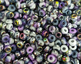 6/0 Japanese/Czech Unions 6/0 Japanese Seed Beads - White Opaque Funky Purple 06-402-95501 - 20 grams