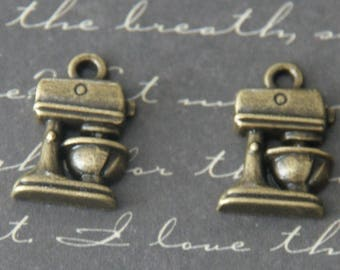 wrapped with vintage bronze 3x11x17mm 2 robot charms