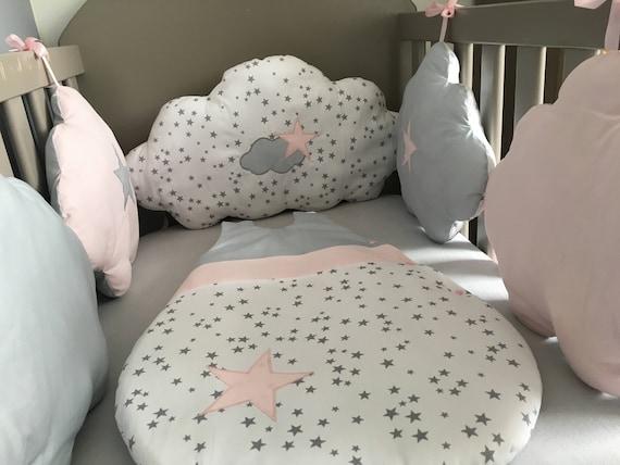 Tour de lit b b fille en forme de nuages gris rose et blanc - Tour de lit et gigoteuse fille ...