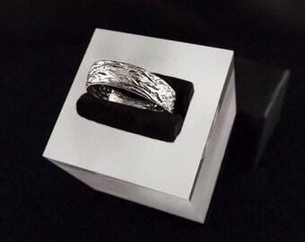 Alliance human textured 999 silver