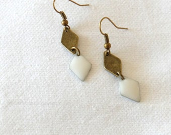 BO graphics small diamonds - white cream