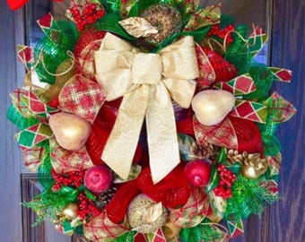 Large Christmas Wreath | Holiday Wreath With Gold Bow on Etsy| Door Wreaths By Trina | Wreaths on Etsy | Etsy Wreaths