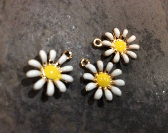 Spring Daisy charms in gold finish with white and yellow enamel detail package of 3 charms