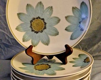 """Up-Sa Daisy by NORITAKE 10 3/8"""" Dinner Plate Set of 7 Progression, Blue Daisies"""