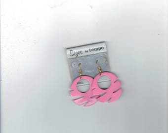 sizes by tempo earrings hot pink 1980's