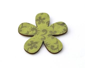 Wooden 4 cm sticker flower embellishment.