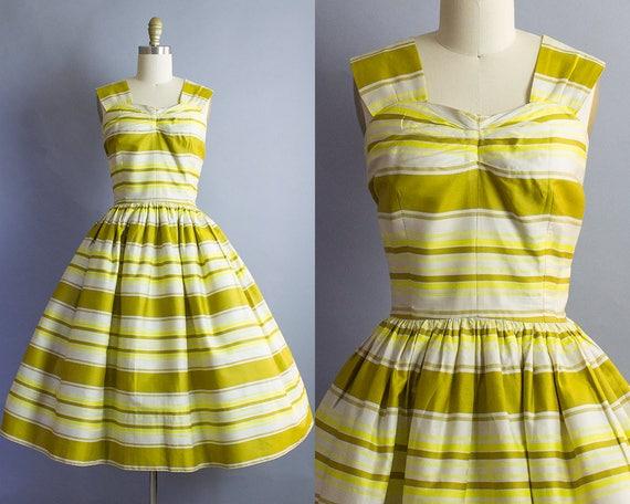 1950s Gold Striped Sundress/ Medium (34b/28w)