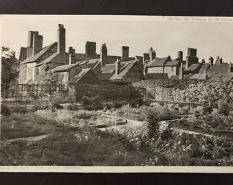 Vintage postcard - Nash's House - New Place - The Knot Garden (Shakespeare, Stratford on Avon)