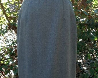 PENDLETON WOOL SKIRT, Charcoal Gray, Vintage 1990s, below knee length, beautiful condition, classic office/work/schoolgirl Hipster Preppy, 6
