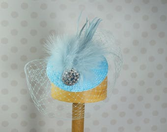 Light Blue Birdcage Veil Fascinator Crystal brooch Feather Mount Races netting Wedding hair comb net vintage retro baby powder blue