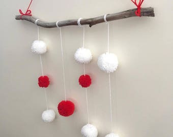 Santa's Pompom Wall Hanging