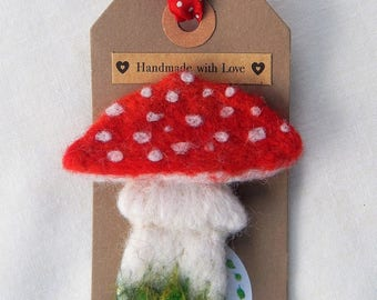 Toadstool Brooch pin Fly Agaric Needle felted woodland funghi