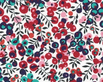 """Wiltshire A Liberty Fabric tana lawn scrap white red pink blue berries 10"""" x 15"""" square (25,4 cm x 38 cm) The Weavers Mill"""