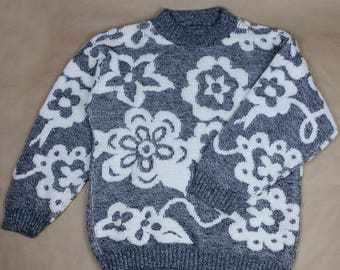 Vintage 90s Floral Crewnenck Sweater- Vintage Sweater, 90s Sweater, Floral Sweater, 90s Floral Sweater, 90s Gray Sweater, 90s Crewneck, 90s