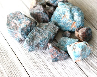 ONE Blue Apatite Raw Crystal, Throat Chakra Healing Stone, Reiki Gemstone, Meditation, Birthday Gift For Son, Natural Home Decor Gems