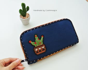 Cactus Lovers Long Wallet-Navy, Smartphone Wallet, Vegan Wallet, Bi-fold Wallet, Organizer Wallet, Zipper Clutch, Gift for Her-Made to order