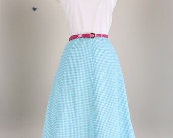 """1990s Does 50s Dress//Vintage Fit and Flare//31"""" Waist//Gingham Summer Dress//Sleeveless Midi//Blue White Cotton//Handmade//Pockets"""