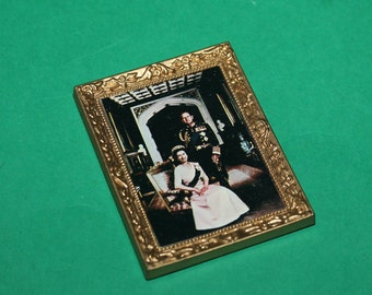 Vintage Dolls House Lundby Queen Elizabeth & Prince Phillip Picture