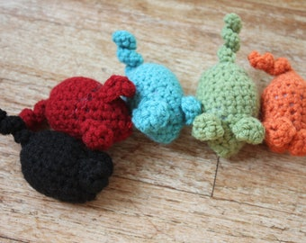 Crocheted Mouse Cat Toy with Jingle Bell - Red, Orange, Black, Blue, Green