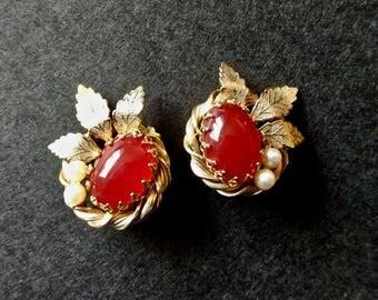 Vintage Carnelian Stud Earrings, Clip On Earrings, Vintage Jewelry, Pearl Earrings, Carnelian Jewelry, Estate Jewelry, Stud Earrings Gold,