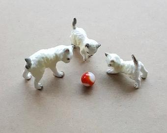 Vintage Ceramic Cat Family