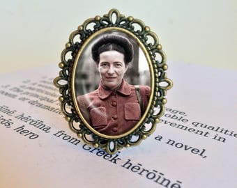 Simone de Beauvoir  Brooch - Simone de Beauvoir Jewelry, Feminist Brooch, Philosophy Pin, Gift for Feminist, Vintage Existential Jewellery