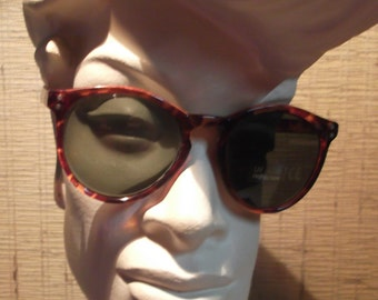 Small pasta sunglasses, vintage.