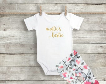Auntie's Bestie - Baby Girl Clothes - Auntie's Bestie Outfit - Baby Girl Outfit - Newborn Outfit - Coming Home Outfit -  Baby Shower Gift